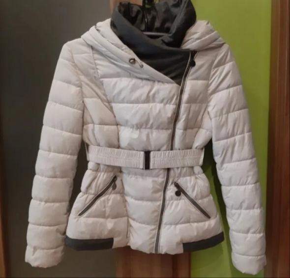 Śliczna ciepła kurtka zimowa z kapturem...