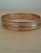 Zestaw pięć bransoletek złoty kolor nowe
