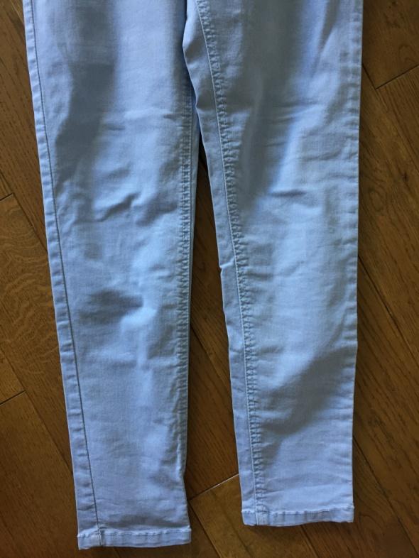 Jasne jeansy wysoki stan RESERVED rozm 40