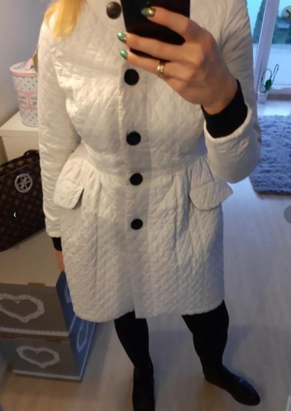 Pikowany płaszcz...