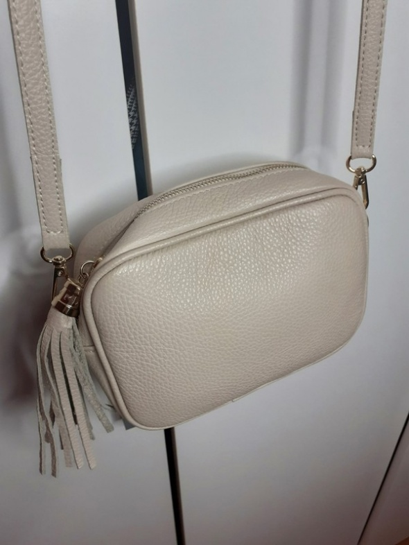 Włoska skórzana mała torebka nude Vera Pelle...