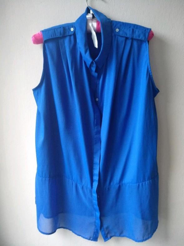Kobaltowa koszula mgiełka M Stradivarius
