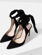 Zara czarne zamszowe buty na obcasie z odkrytą piętą wiązane na...