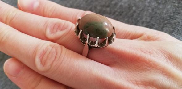 Warmet Sary srebrny pierścionek zębaty z agatem pr3