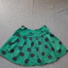Rozkloszowana spódnica w duże grochy