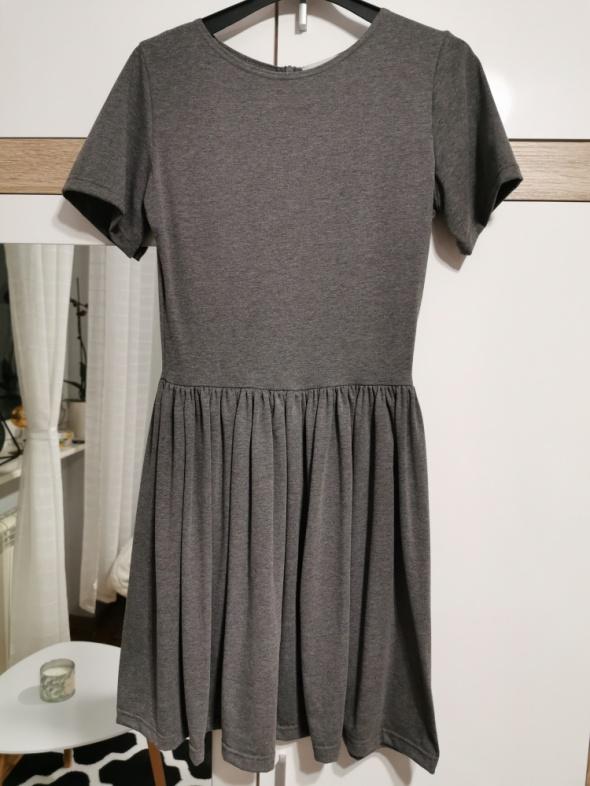 Cinamoon sukienka na krótki rękaw