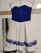 Biało niebieska sukienka