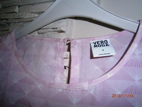 bluzka w kolorze bladego różu Vero Moda...