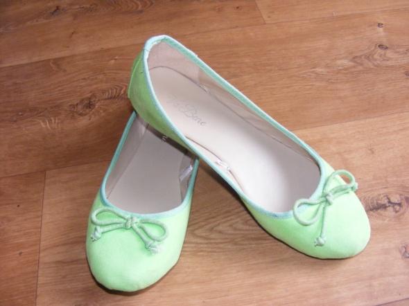 Śliczne zielone balerinki nowe