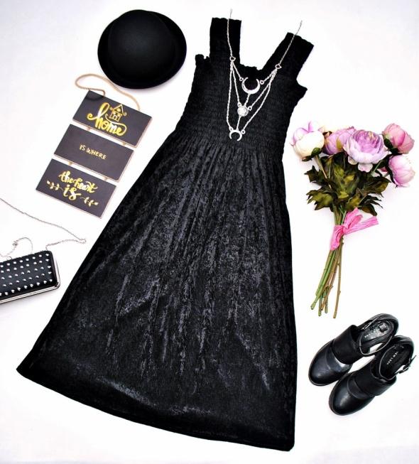 Długa Czarna Sukienka Welurowa Aksamitna Elegancka Rock Gothic Goth Gotycka Restyle Retro