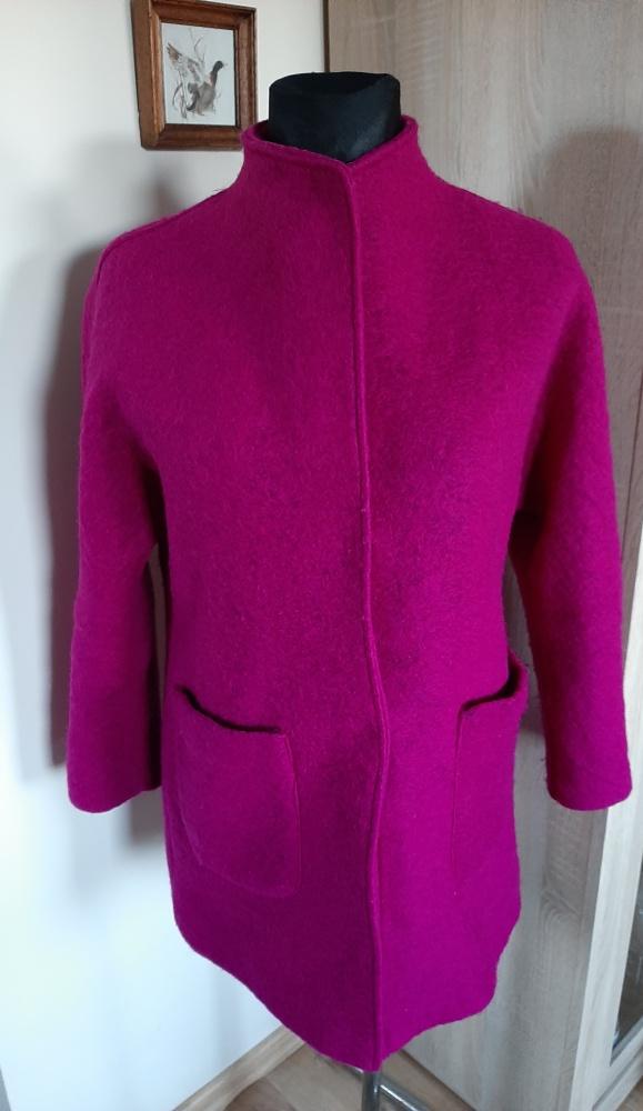 Wełniany włoski płaszcz...