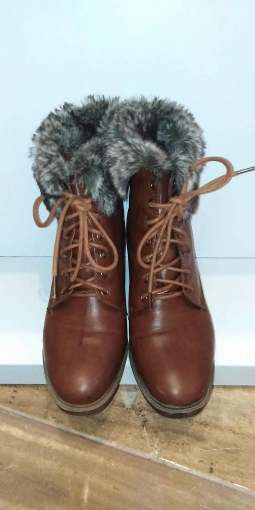 Damskie zimowe buty z futerkiem