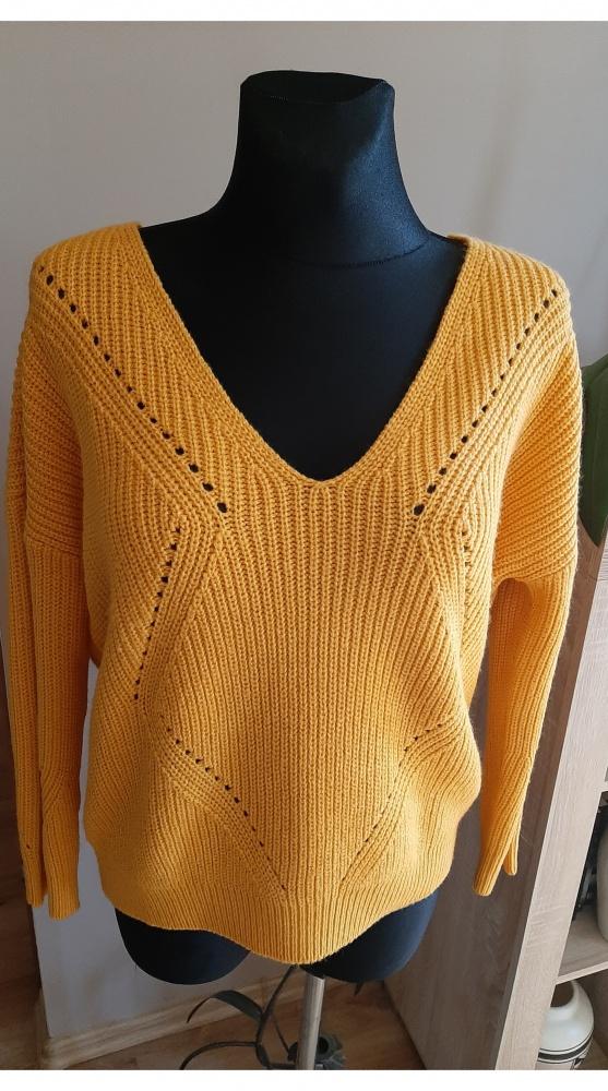 Miodowy sweter oversize