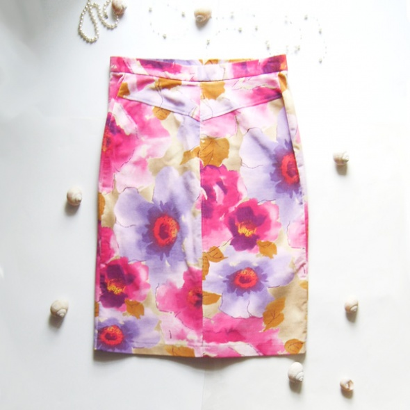 rozmiar 38 Spódnica w kwiaty sztruksowa nr 1