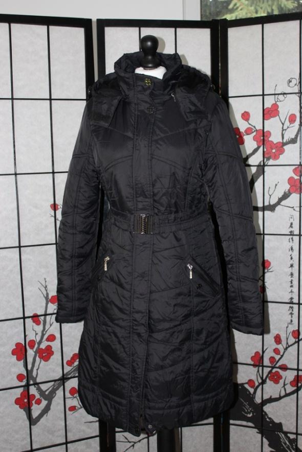 Odzież wierzchnia kurtka puchówka czarna pikowana z kapturem gruba ciepła zimowa