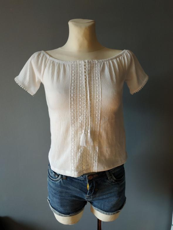 Biała bluzeczka rozmiar XS...