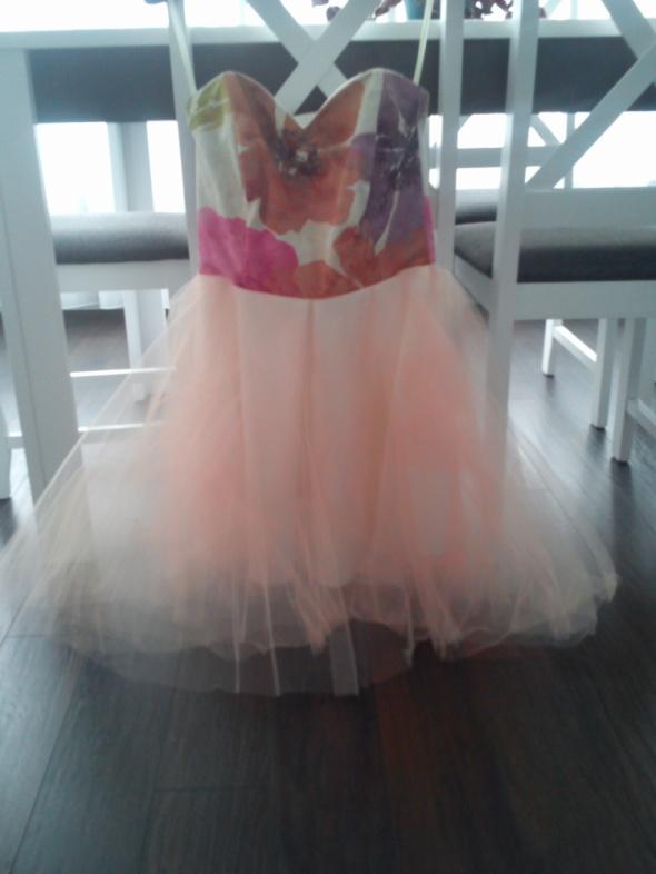 Suknie i sukienki Rozkloszowana sukienka z gorsetem