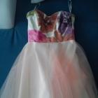 Rozkloszowana sukienka z gorsetem
