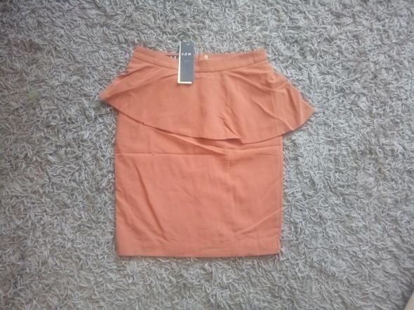 Spódnice Spódniczka z baskinką w rozmiarze S