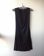 Czarna zwiewna sukienka Unisono