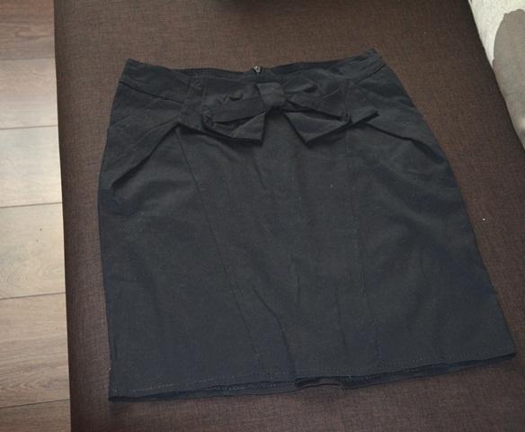Klasyczna czarna mini S