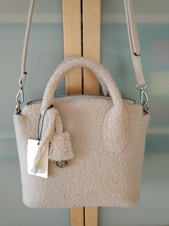 Nowa jasnobeżowa torebka z baranka Stradivarius