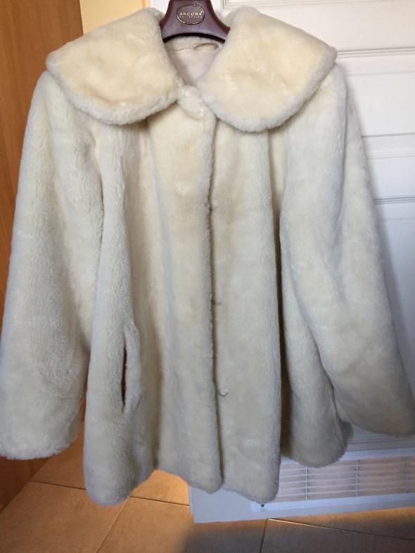 Odzież wierzchnia futrzana kurtka