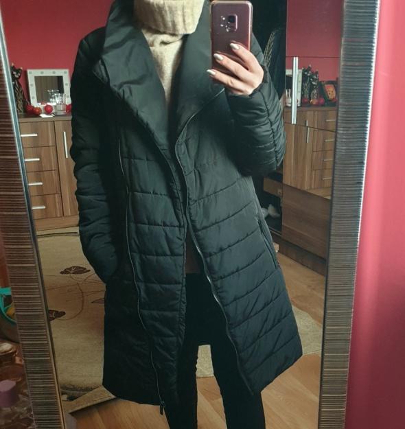 Czarny płaszcz Carry zimowy kurtka rozmiar XS