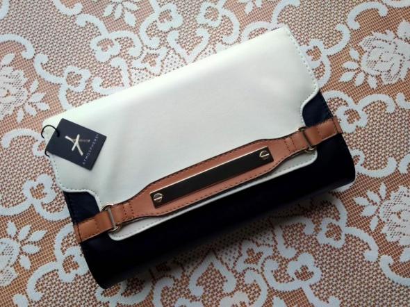 Śliczna torebka typu kopertówka do ręki Atmosphere