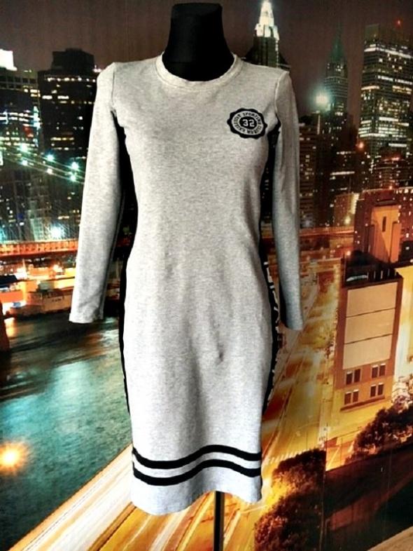 gorgia sukienka sportowa casual napisy modna hit blog 36 38