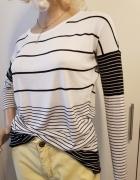 Biała bluzka sweterek w czarne pasy...