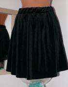 Czarna welurowa spódnica pieces 3638...