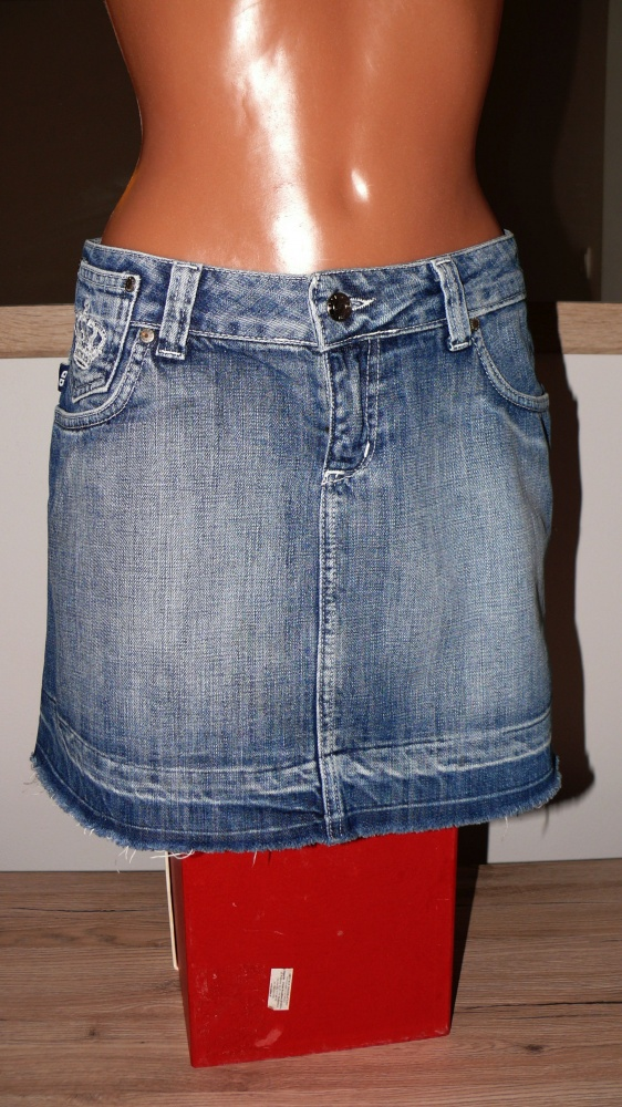 Spódnice Victoria Beckham fajna spódniczka jeansowa M