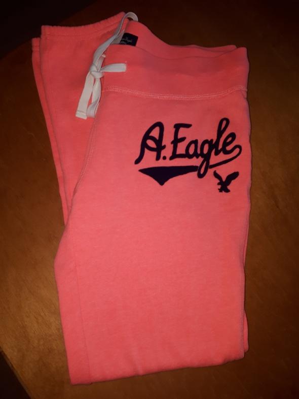 Nowe spodnie dresowe American Eagle