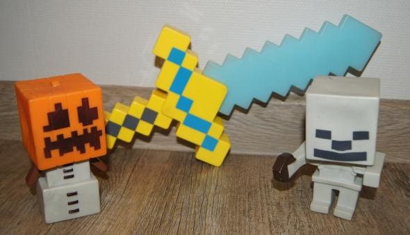 Zestaw figurki miecz świeci dźwięki kolekcja Minecraft...
