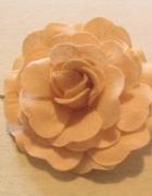 Spinka róża z filcu...