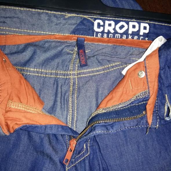 modne szorty jeansowe