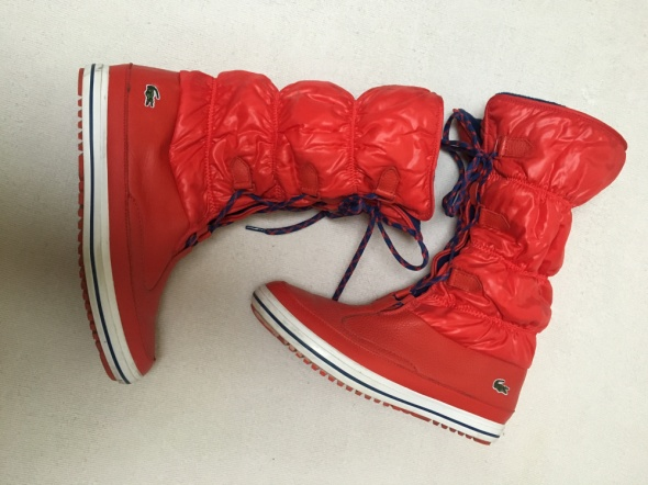 Czerwone śniegowce