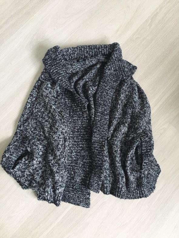 sweter F&F narzutka ciepła pareo na jesien zime
