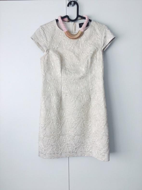 sukienka złota tłoczone wzory Mohito XS