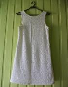 Śliczna biała koronkowa prosta sukienka