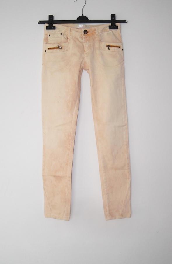 morelowe spodnie bershka xs