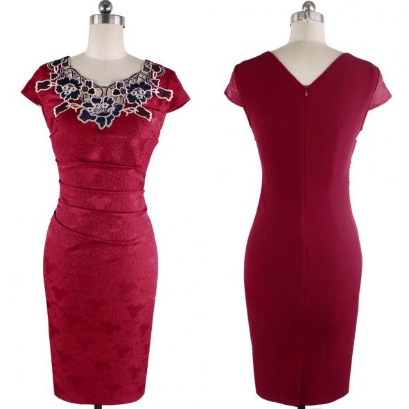 Elegancka sukienka z haftem M L