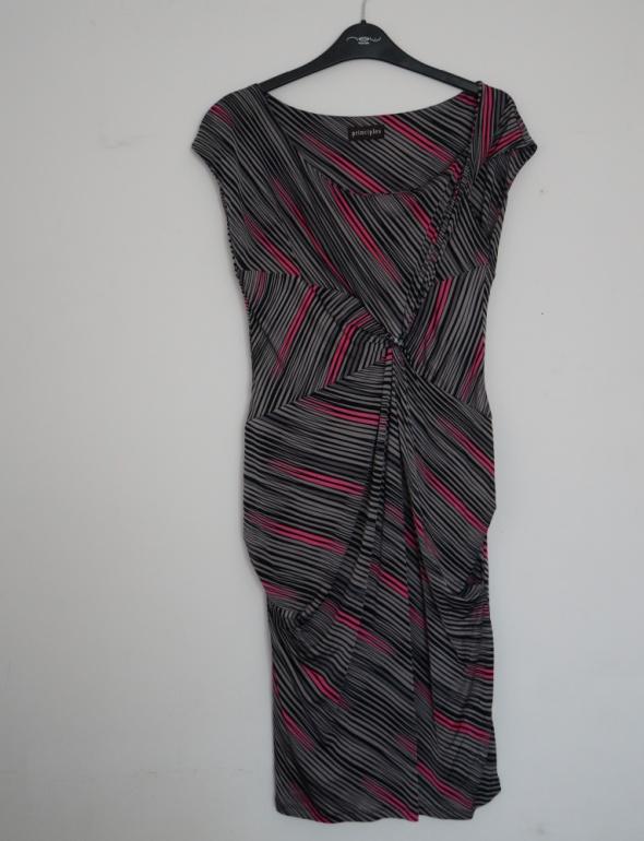 Sukienka prosta rozmiar M...