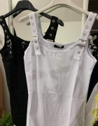 Bluzeczka biała klamry sprzączki szelki