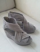 H&M DIVIDED SZARE NOWE KOTURNY WEDGES 37...