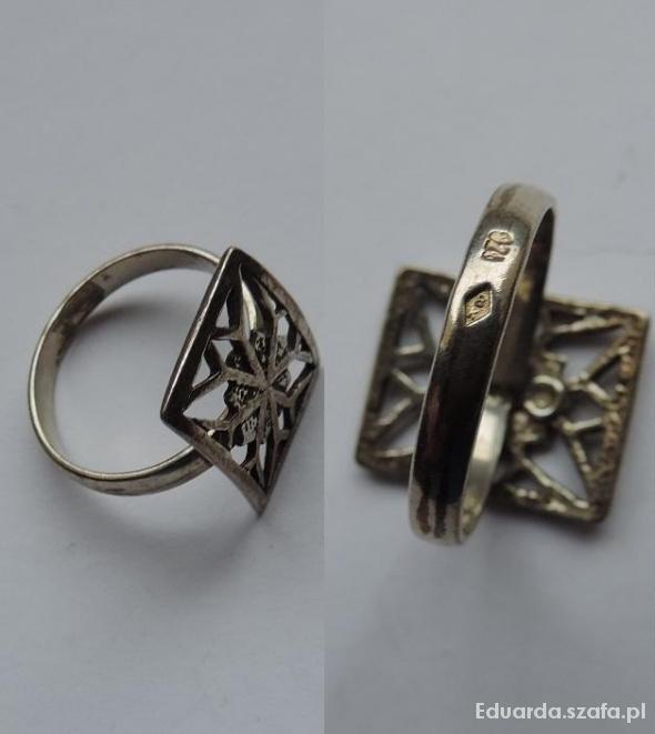 Ażurowa mozaika ze srebra