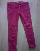 bordowe spodnie rurki...