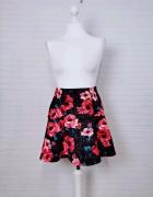 8 36 S Hollister Czarna wzorzysta spódnica w kwiaty...