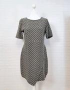 12 40 L Reserved Beżowa Czarna sukienka...
